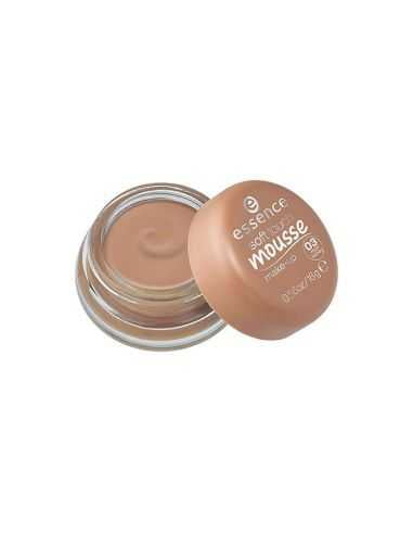 Mousse ESSENCE Soft Touch Make-Up 03...